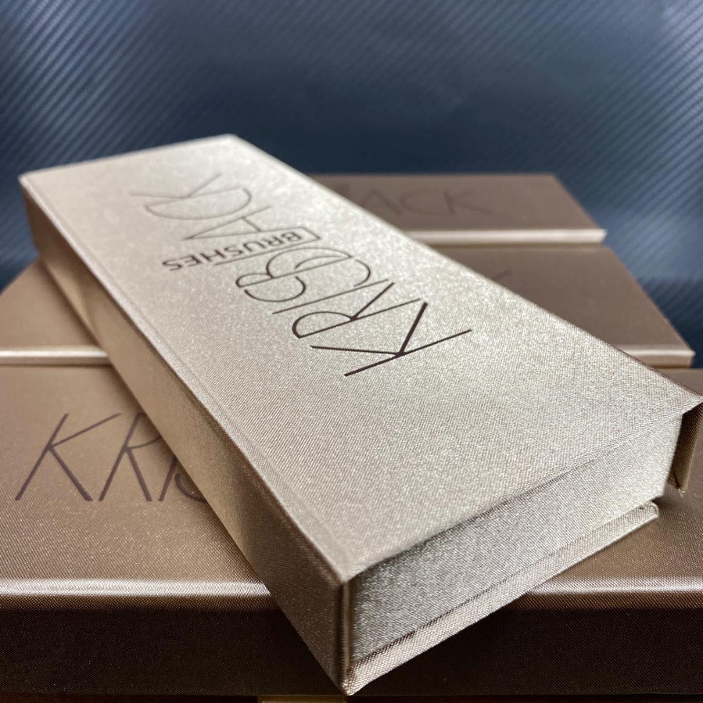 Коробка из шелка